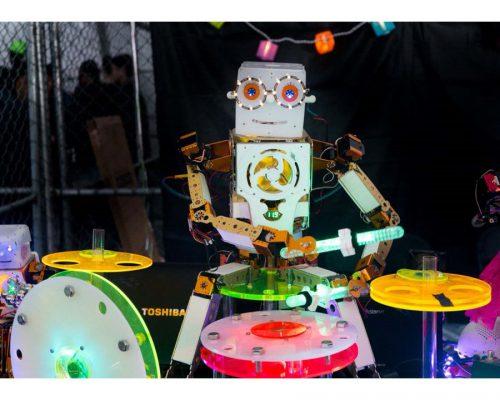 人型自動演奏ロボット5体による楽団「ロボットバンド」のスペシャル音楽体験!写真