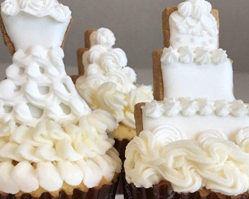 カップケーキとアイシングクッキーでウェディングケーキを作ろう!写真