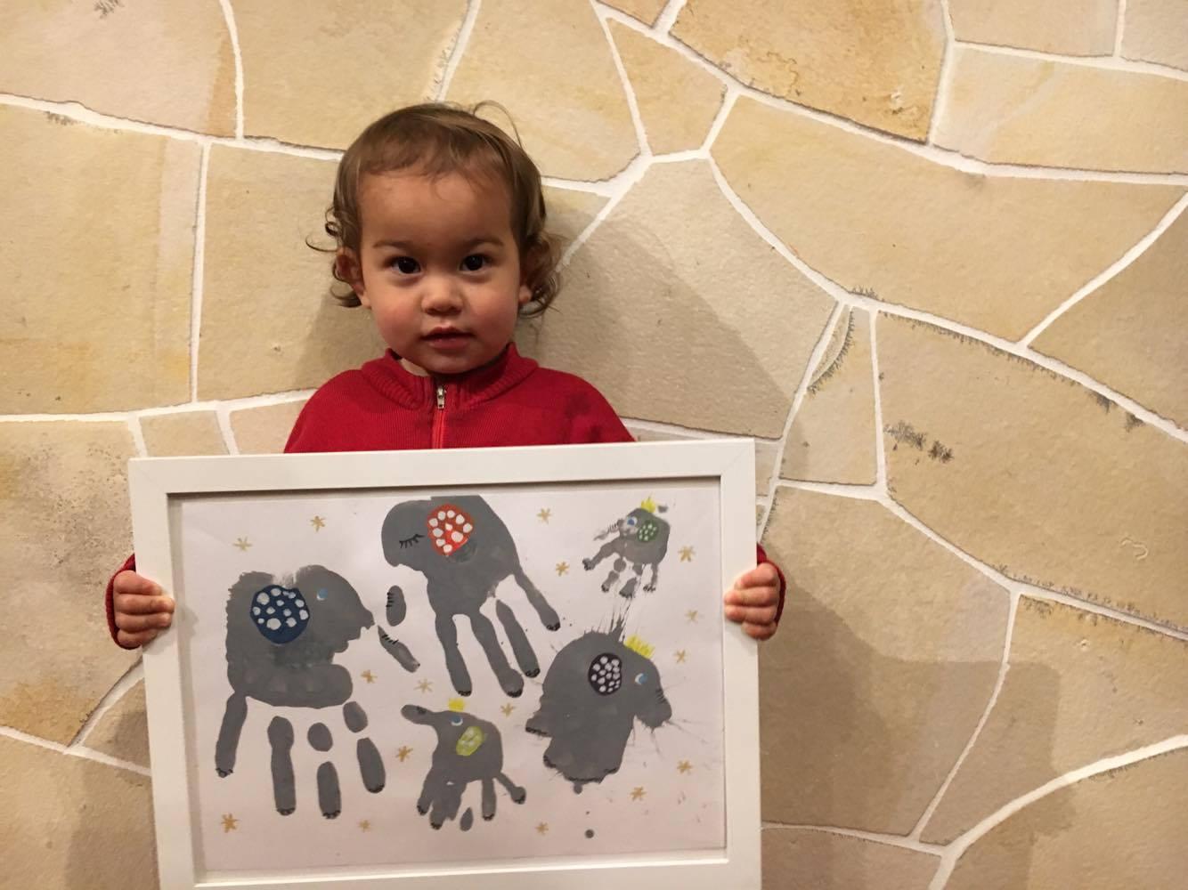 子供の小さな手をアートに!未来へのおくりもの作りワークショップ 写真